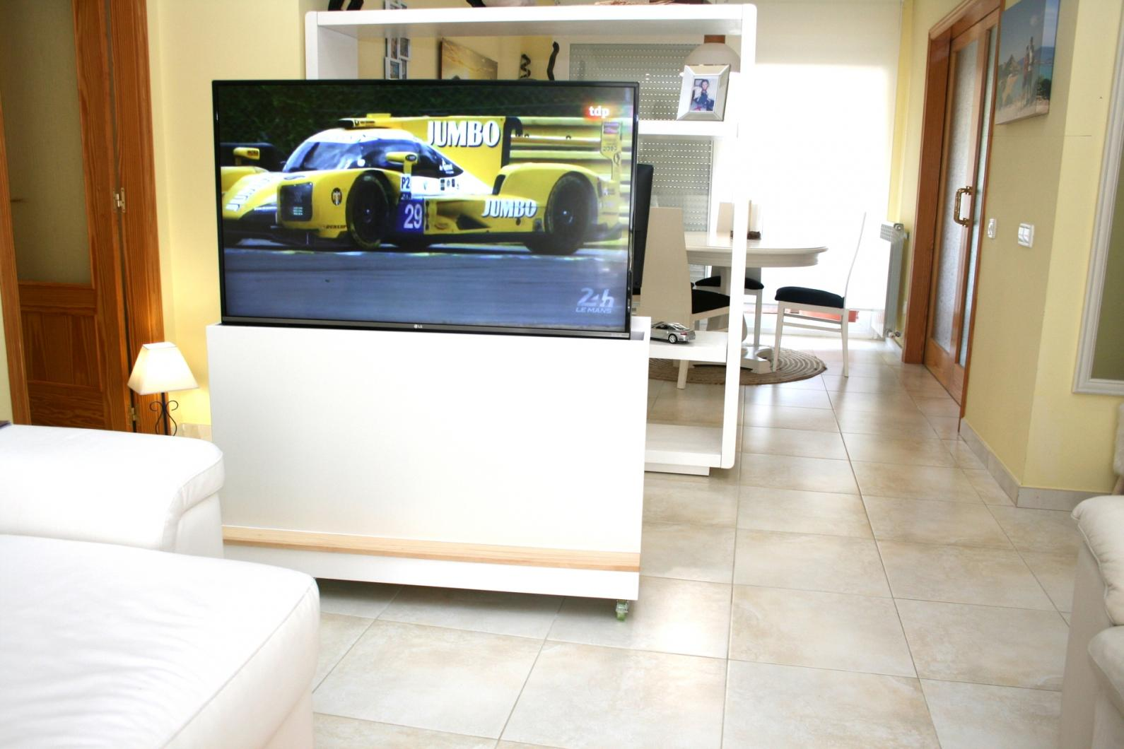 Muebles tv de diseño a medida para separar estancias en tu hogar