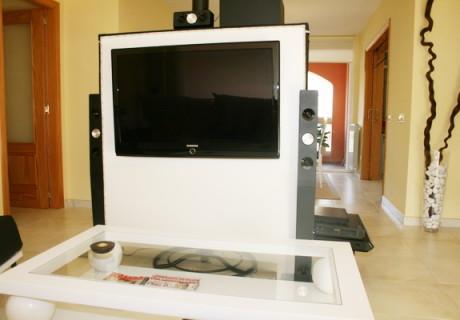 Mueble tv oculta y muebles tv de dise o a medida marquel for Mueble compacto tv