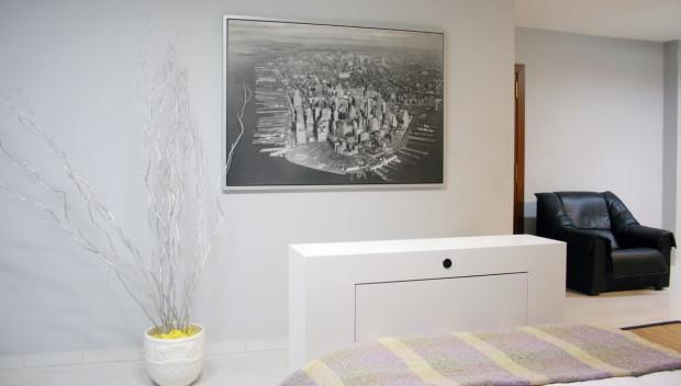 Mueble televisión para dormitorio con tv oculta