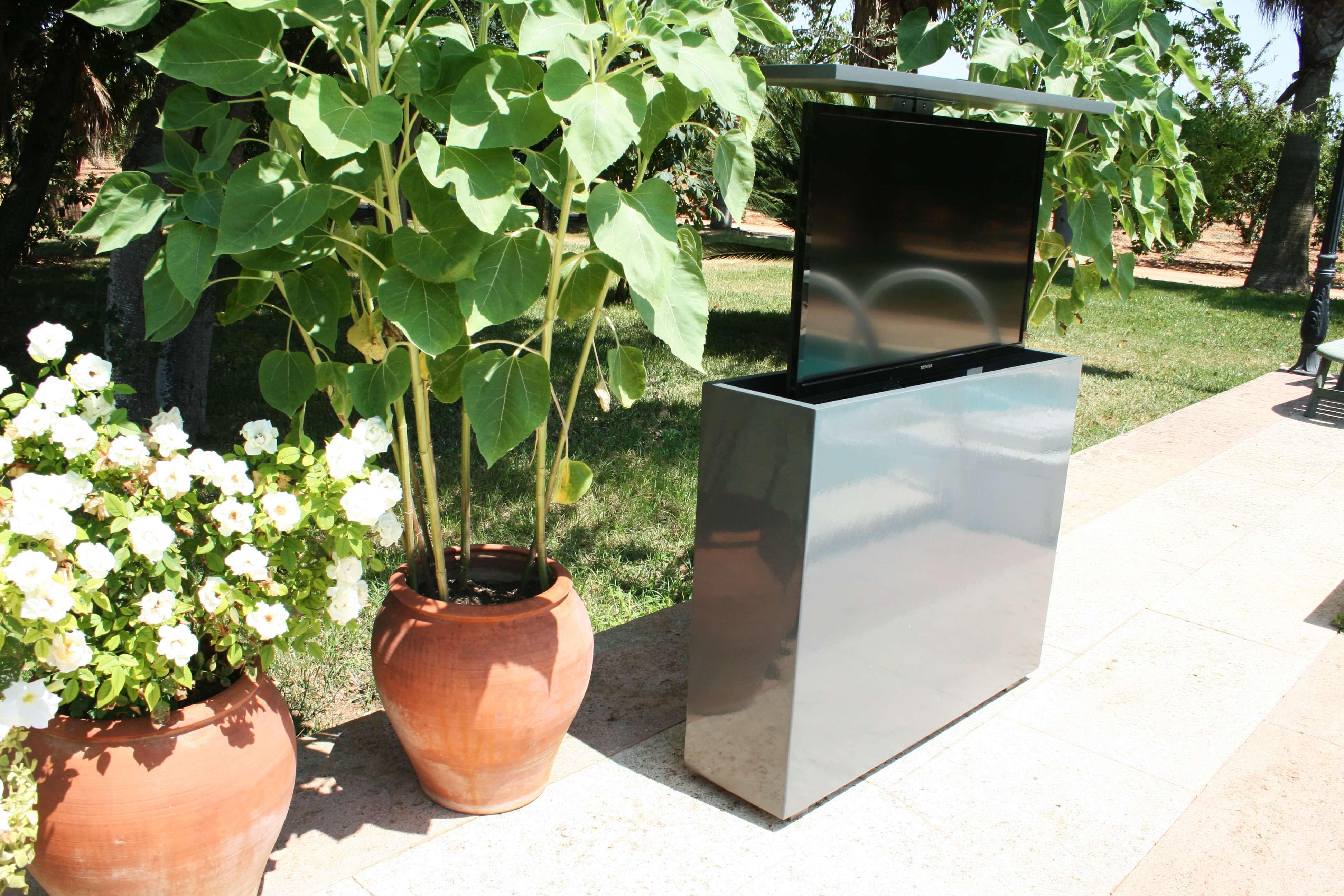 Mueble tv exterior para nuevo cliente en madrid marquel for Muebles de exterior para terrazas