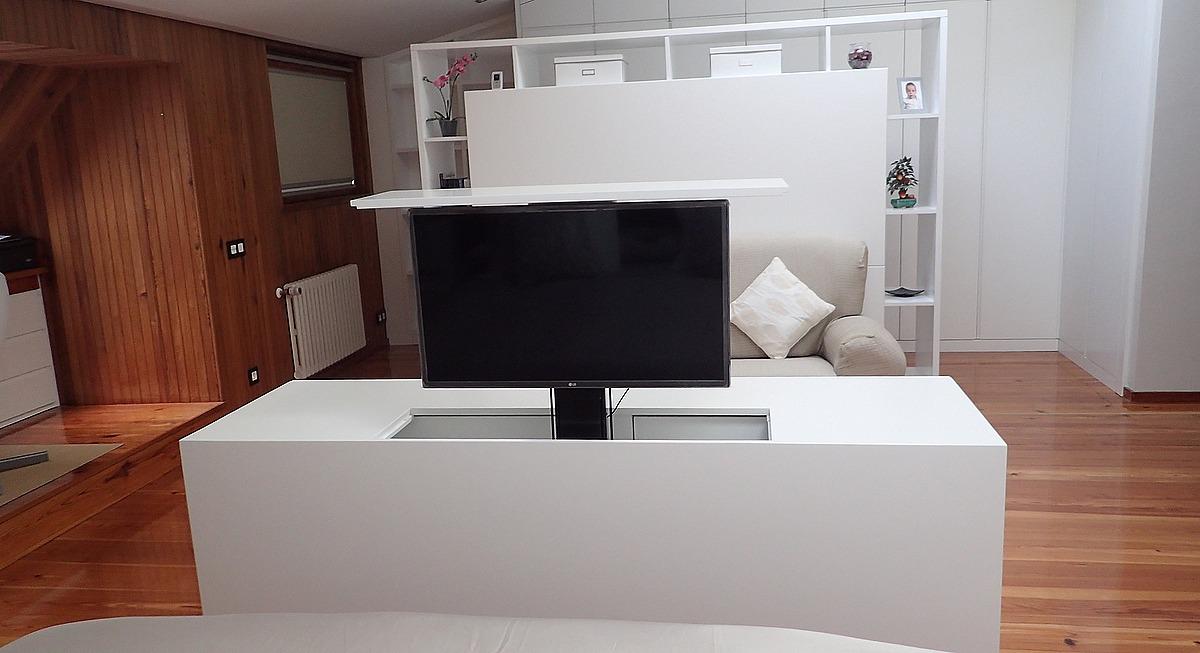 Mueble tv oculta y muebles tv de dise o a medida marquel for Mueble tv dormitorio